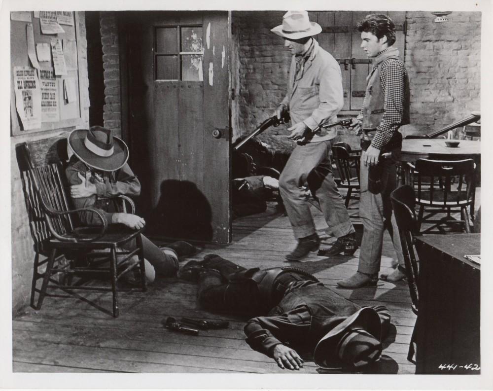 Rio Bravo - 1959 - Page 3 Duke_145