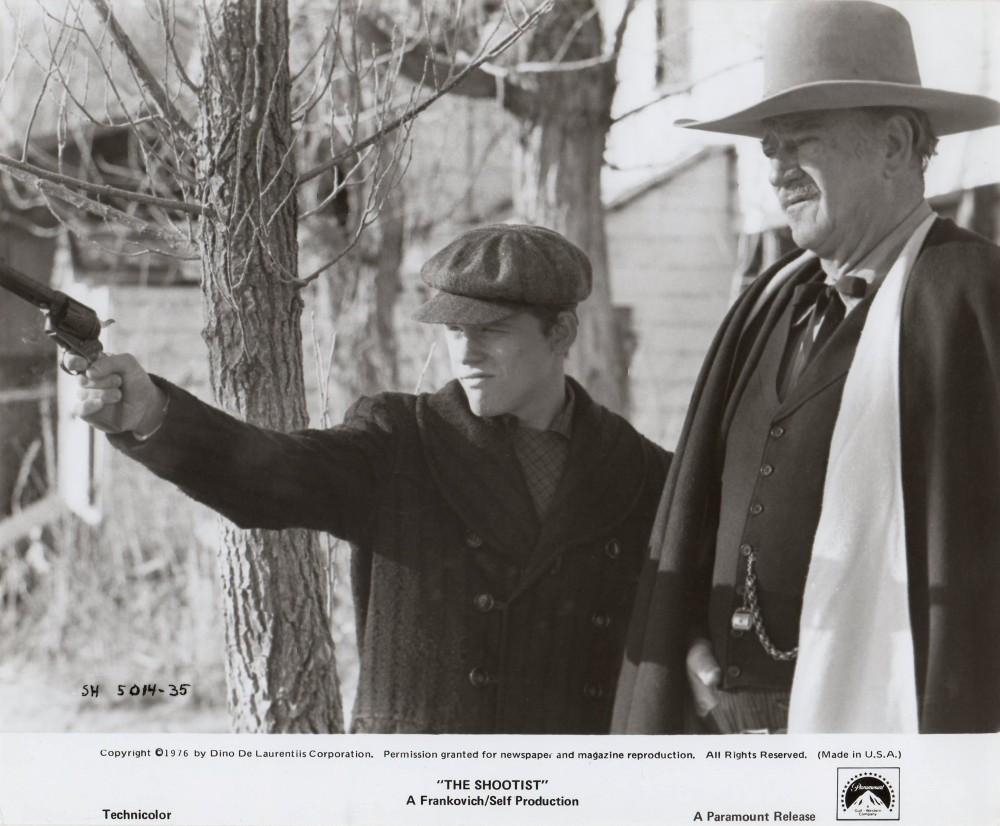 Le dernier des géants - The Shootist - 1977 Duke_a50