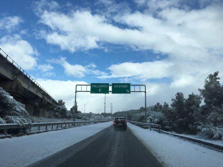 Neve e ghiaccio in Sicilia, strade in tilt e molti incidenti A11