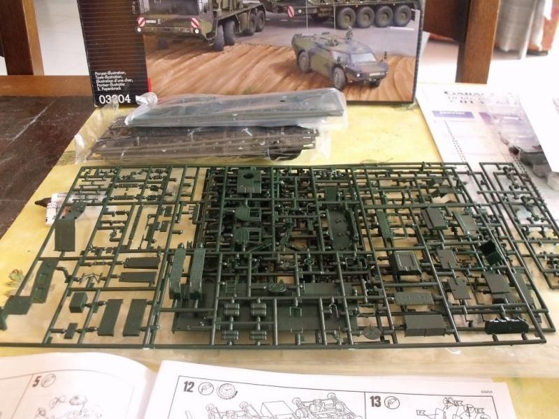 """REVELL 1/72 SLT50-3 """" ELEFANT """" ET Sa aNH.52 T , avec le Panzerhaubitze 2000 et le Fennek dans la même boite 001dsc11"""