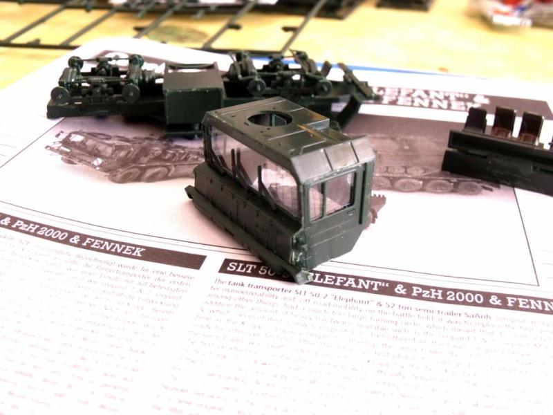 """REVELL 1/72 SLT50-3 """" ELEFANT """" ET Sa aNH.52 T , avec le Panzerhaubitze 2000 et le Fennek dans la même boite Dscf1310"""