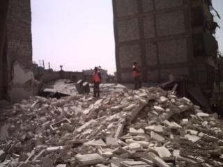 ويستمر الاستهتار ..انهيار بناء مؤلف من خمسة طوابق بحلب و توقيف رئيس و بعض مهندسي قطاع السليمانية على خلفية الانهيار 90296310