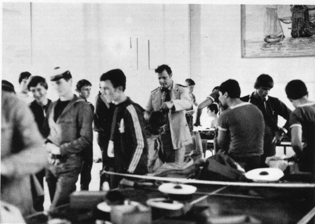 École des mousses 77/78  3ème compagnie Chez_l10