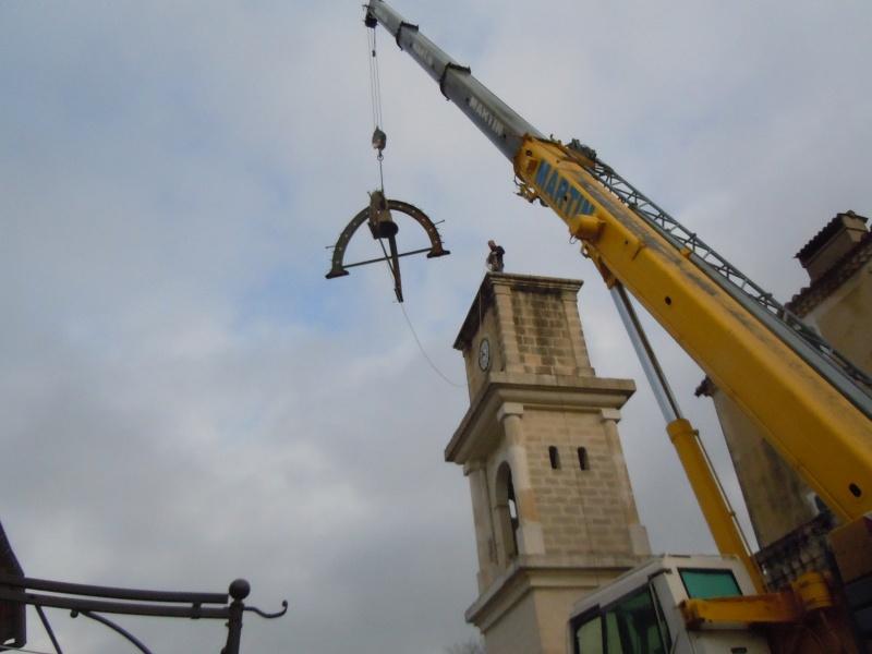 Démontage du campanile de l'horloge Descen10