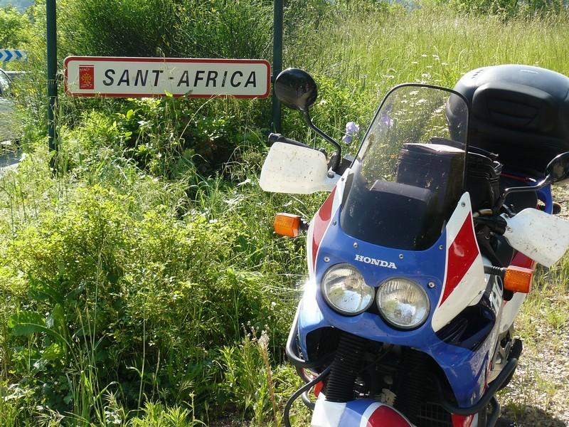 Concours photos : le thème, l'AfricaTwin - Page 2 Image210