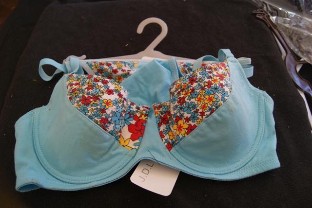 Vente de lingerie  Dsc03646