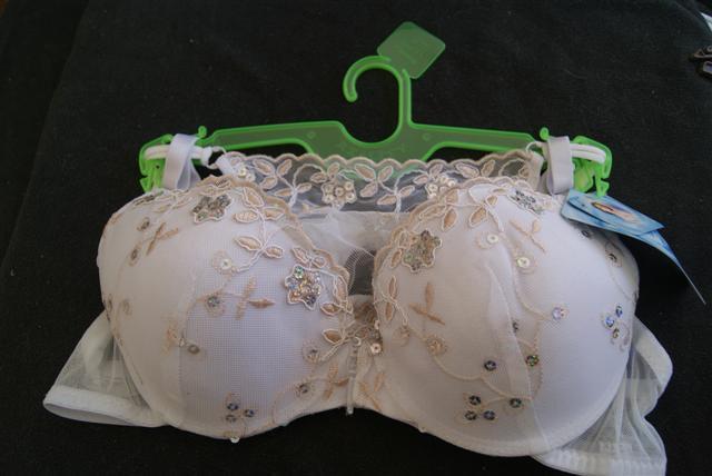 Vente de lingerie  Dsc03670