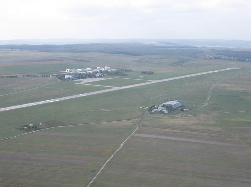 Aeroportul Suceava (Stefan cel Mare) - 2008 Ap_40010