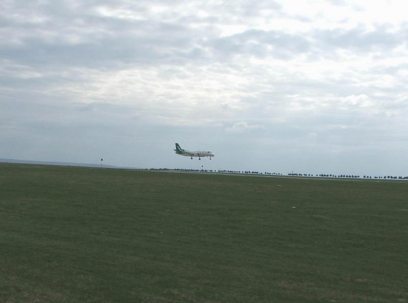 Aeroportul Suceava (Stefan cel Mare) - 2008 - Pagina 2 Er-sgb10