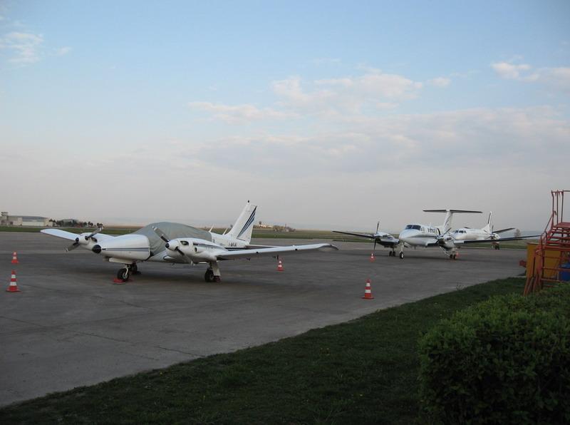 Aeroportul Suceava (Stefan Cel Mare) - 1994 - 2007 I-akai10