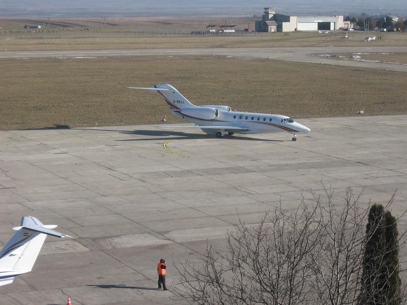 Aeroportul Suceava (Stefan cel Mare) - 2008 Img_4410