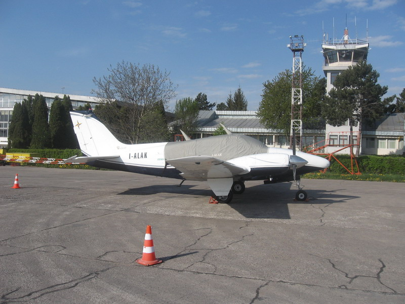 Aeroportul Suceava (Stefan cel Mare) - 2008 Img_5510