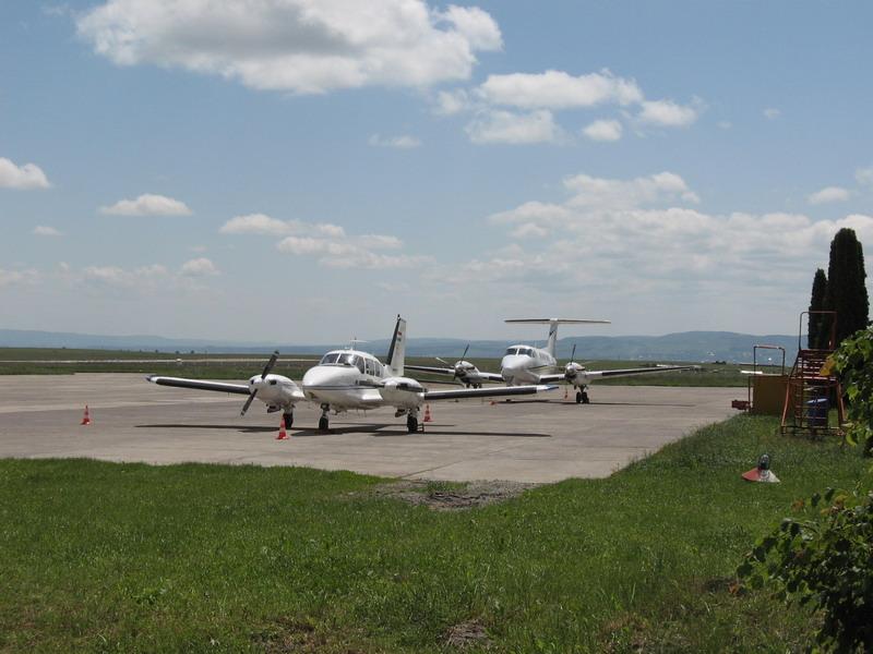 Aeroportul Suceava (Stefan cel Mare) - 2008 - Pagina 2 Img_6018