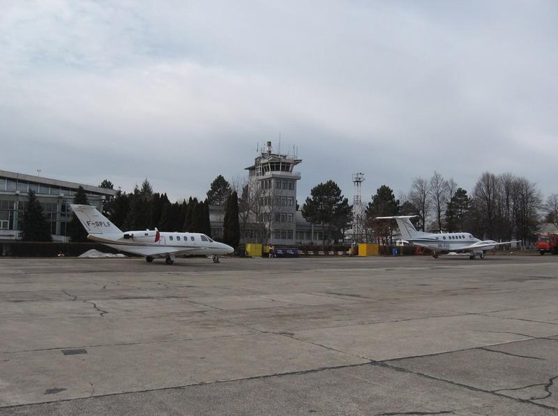 Aeroportul Suceava (Stefan Cel Mare) - 1994 - 2007 Lf_fos10