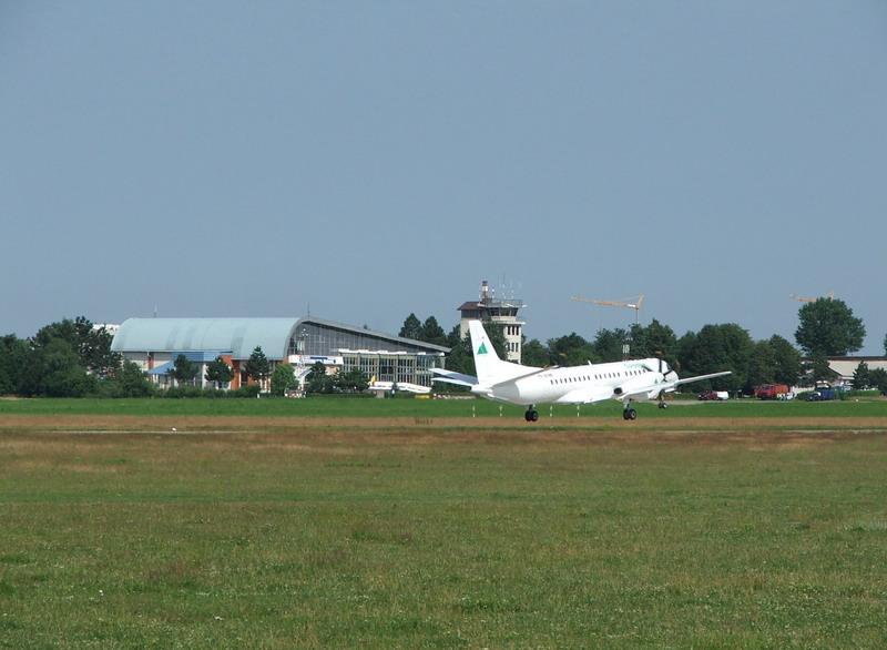 Aeroportul Suceava (Stefan cel Mare) - 2008 Sbh_0610