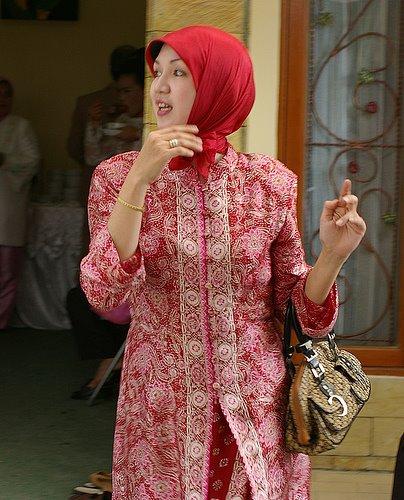 Wong wedok sing Jilbaban 1253nl11