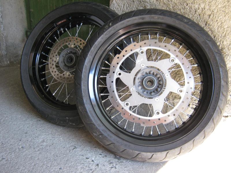 501 FE_E de 2001+ Equipement supermotard + Equipement motard Img_1311