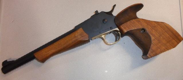 un pistolet particulier  Dscn3616