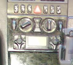 Post Montage Autoradio Becker Traffic pro sur une W210 E290 TD + chargeur CD Images10