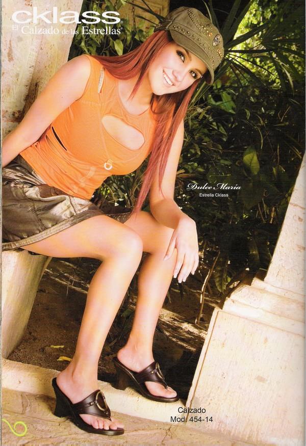 Dulce Maria-slike - Page 5 014dsg10