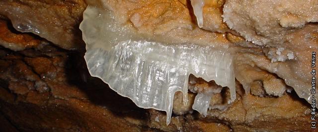 Les grottes du Monde illustrées avec Google Earth - Page 2 Antre_10