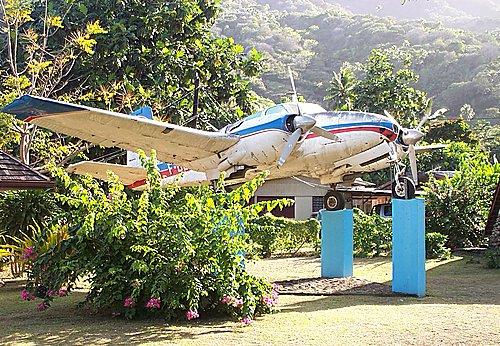 Jojo, le Beechcraft Twin-Bonanza modèle D50 de Jacques Brel Avion_10