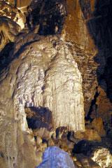 Les grottes du Monde illustrées avec Google Earth - Page 2 Cuves_10