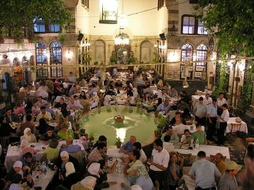 Le plus grand restaurant au monde - Bawabet Dimashq - Page 4 Damask10