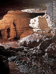 Les grottes du Monde illustrées avec Google Earth - Page 2 Img310