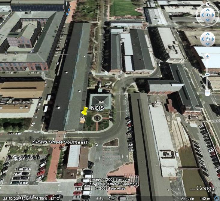 Les services secrets dans le monde épiés avec Google Earth - Page 2 Ncis11
