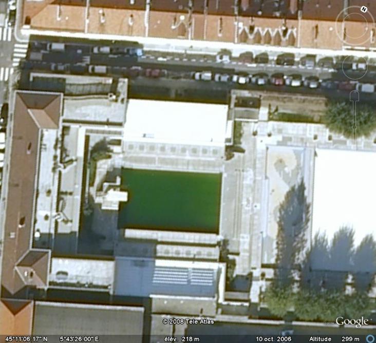 Les piscines du Monde découvertes avec Google Earth - Page 8 Piscin10