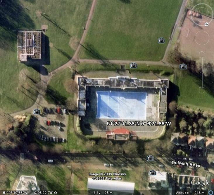 Les piscines du Monde découvertes avec Google Earth - Page 8 Piscin12