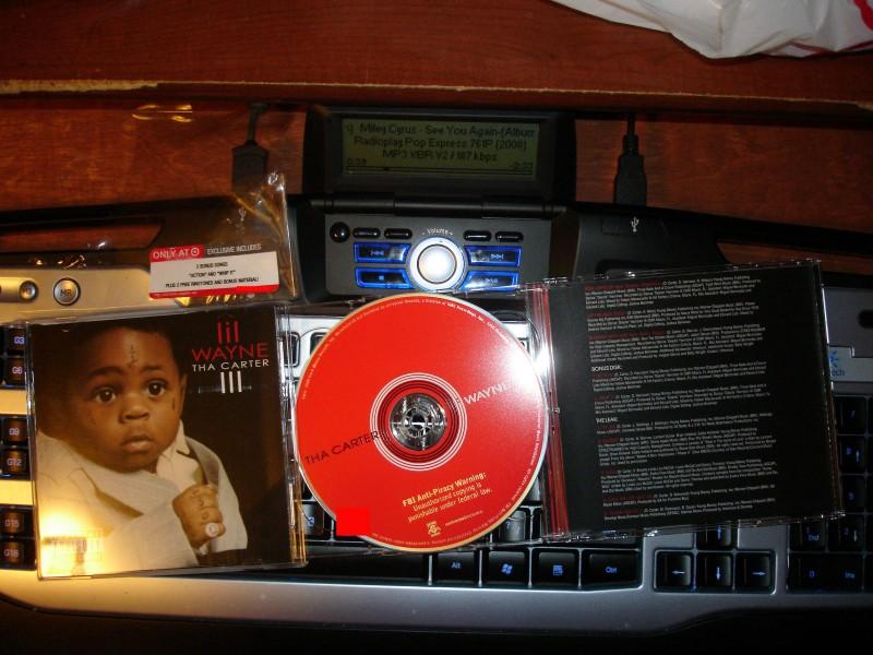 Lil Wayne - Tha Carter III (Retail Target Bonus Tracks) 2008 673b9010