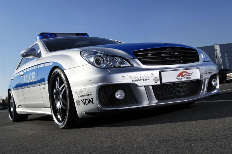 Dünyanın en hızlı pollis arabası Brabus15