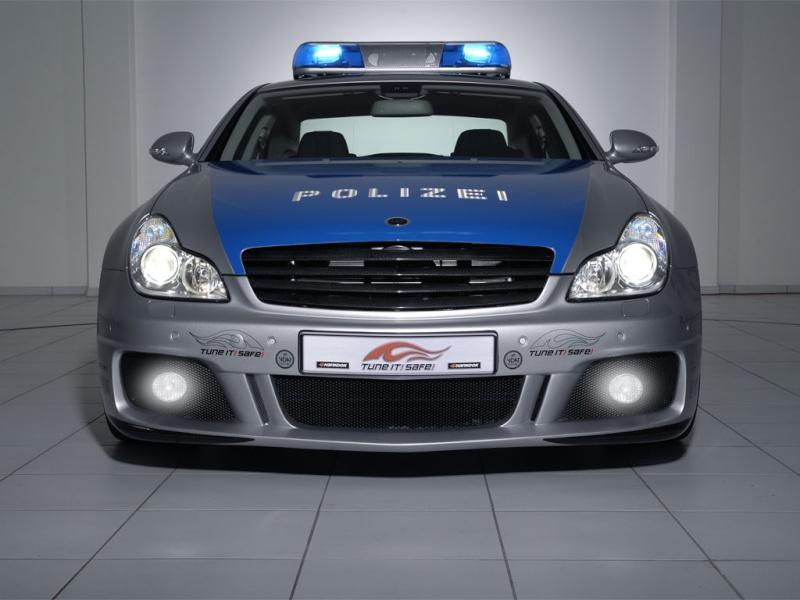 Dünyanın en hızlı pollis arabası Brabus16