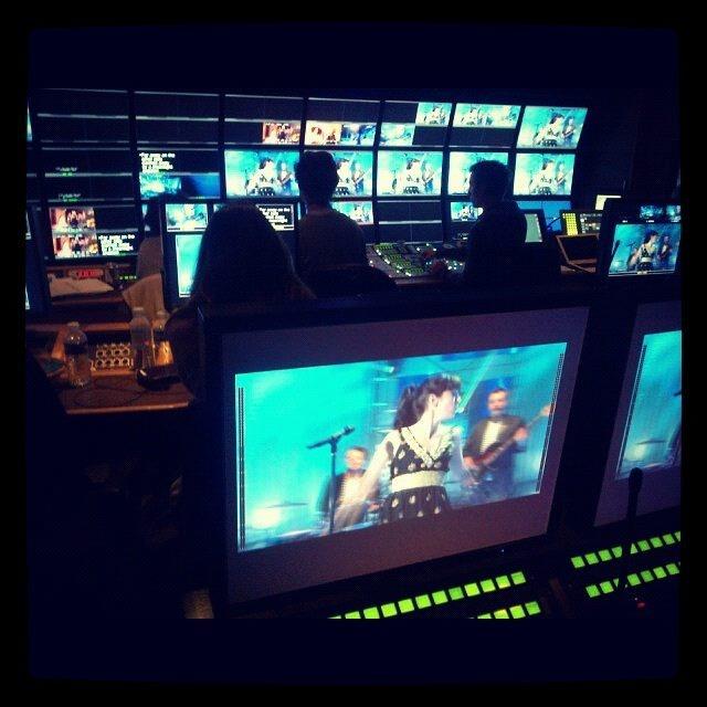 {TV} France 2 Dans les Coulisses du Show enregistrement le 25 Octobre, diffusion le 12 Novembre 1234_b10