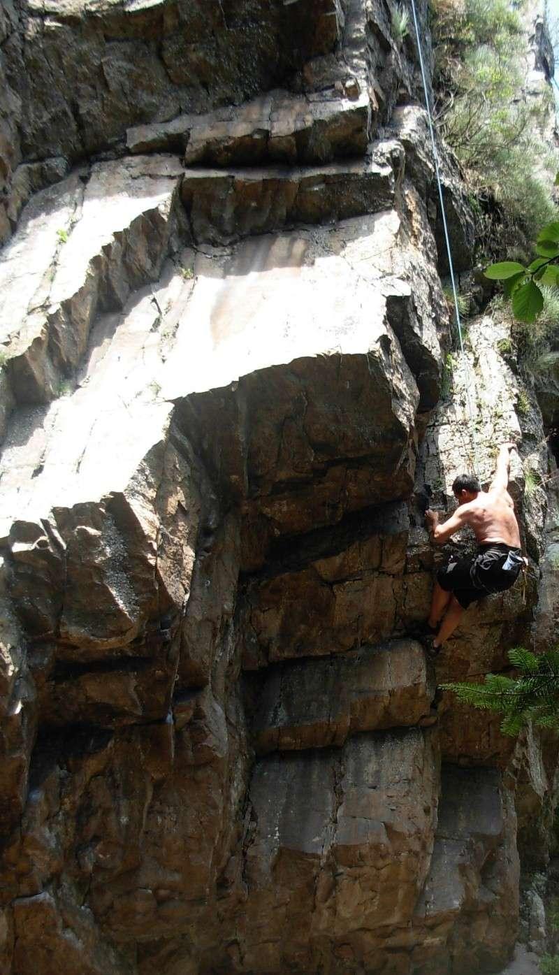 Escalade à Doizieux (Pilat-Loire) - 1050 mètres d'altitude Escala12