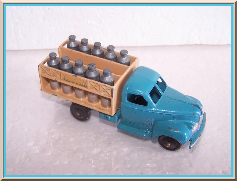 "25 O studebaker laitier ""NESTLE"" 100_7323"