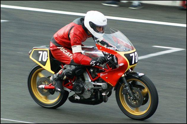 Ambiance pista !!! - Page 6 Ducati14