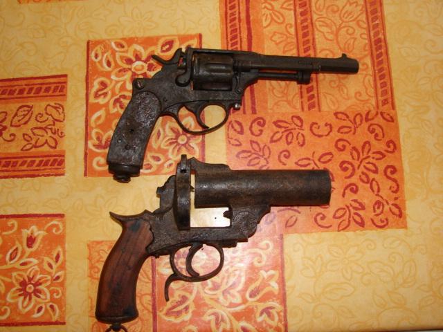 resto d'un revolver d'ordonnace suisse mod 1882 de fabrication belge  Dsc04949