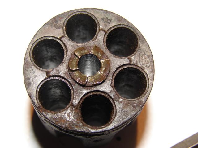 resto d'un revolver d'ordonnace suisse mod 1882 de fabrication belge  Dsc04955