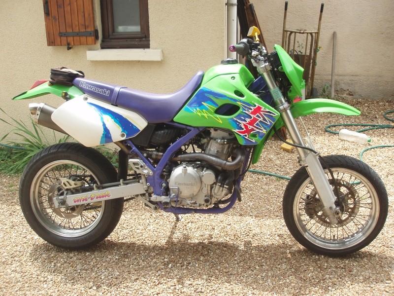 une photo de moto Klx65010