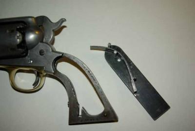 grand démontage d'un revolver remington 1858 Imgp3311