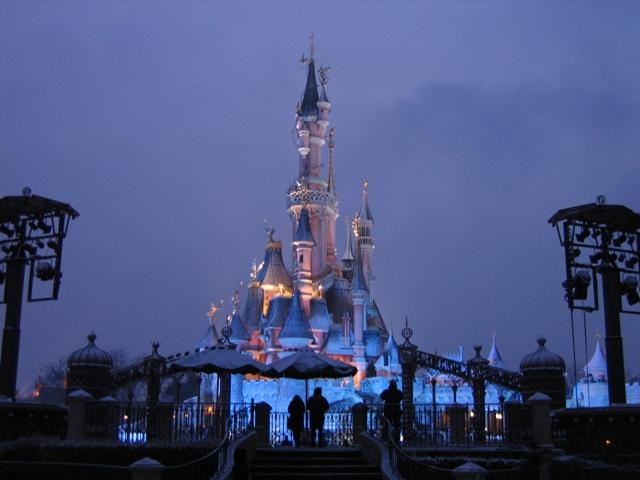 Le nostre foto notturne di Disneyland Paris - Pagina 3 Castel11