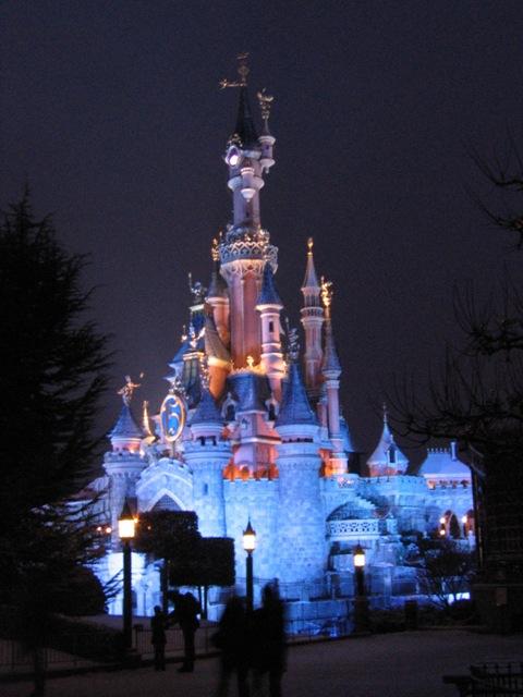 Le nostre foto notturne di Disneyland Paris - Pagina 3 Castel12