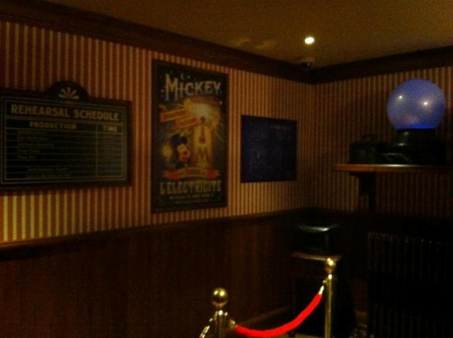 MEET MICKEY MOUSE - Fantasyland Vai10