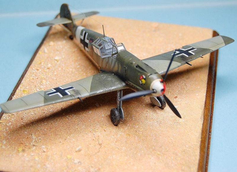 diorama   Messerschmitt Bf109 E-7 - le guépard - Airfix - 1/72 Armoir10