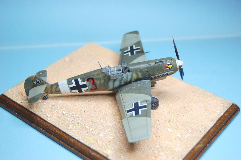 diorama   Messerschmitt Bf109 E-7 - le guépard - Airfix - 1/72 Armoir11
