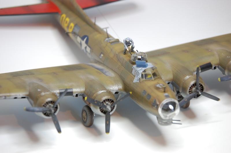 [Revell] - Boeing B-17G - Nine-o-nine - 1/72ème B-17_933