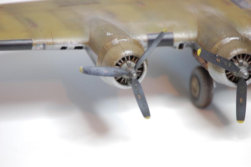 [Revell] - Boeing B-17G - Nine-o-nine - 1/72ème B-17_934